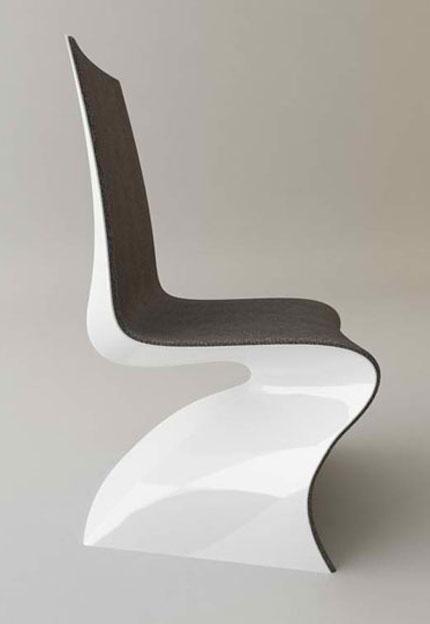 Plastik, materiał i udziwniony kształt - oto krzesło XXI wieku (źródło: pinterest.com)