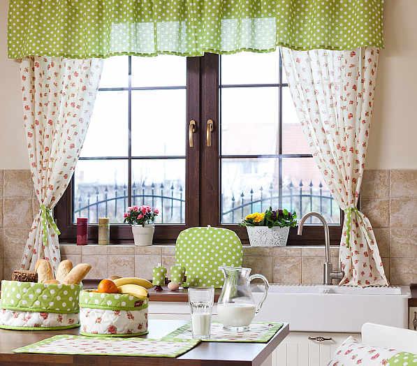 dekoracje kuchennego okna