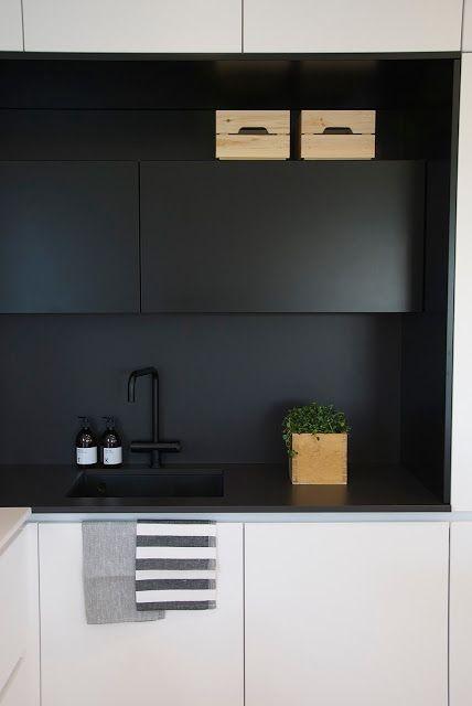 modna kuchnia czarno biała