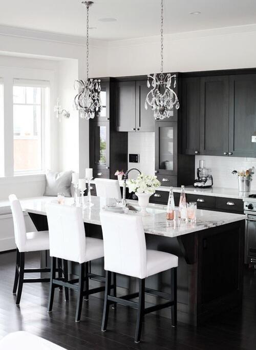 kuchnia glamour czarno biała kuchnia